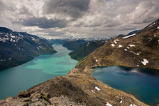 Bessegen Ridge Trail Lakes Gjende Bessvatnet Jotunheimen National Park Norway 9056